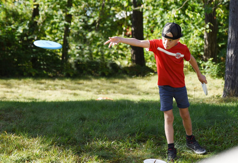 Frisbeeskole for deg mellom 8 og 13 år